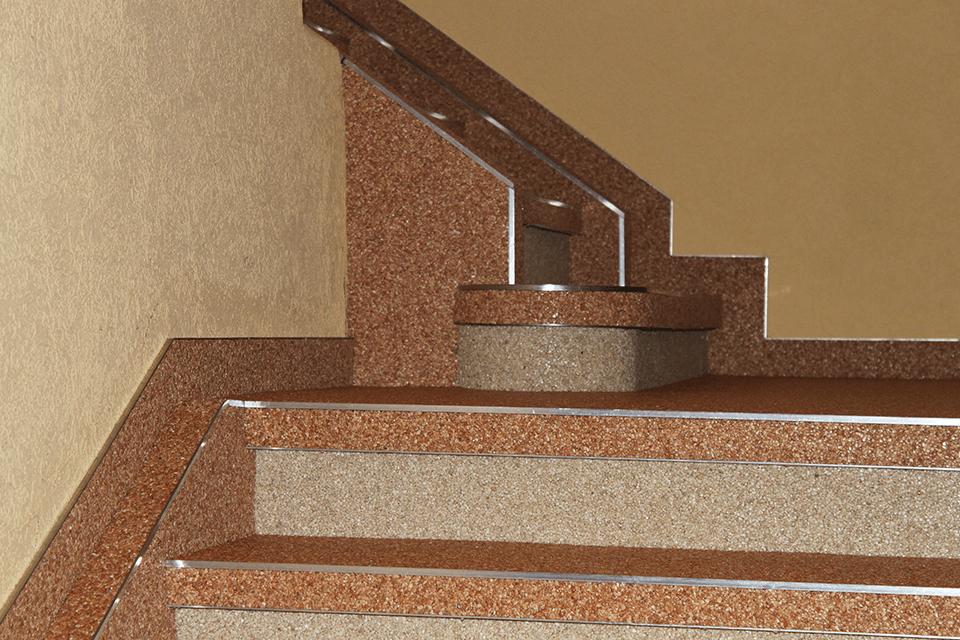 Steinteppich_Natursteinteppich_Boden_Stiege_Sanierung_terrakotta_Marmor_Detailaufnahme