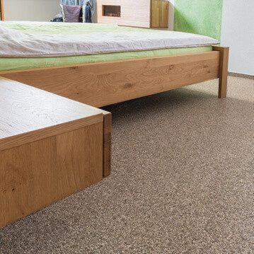 Schlafzimmer_Natursteinteppich_brownRoyal_Boden